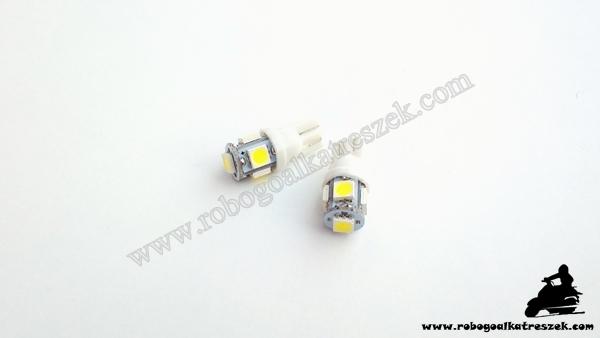 SMD 5 LED-es izzó T10 4W fehér 1 pár RV-06-01-11